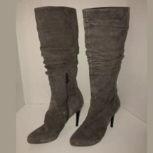 Beautiful Donald J Pliner suede boots